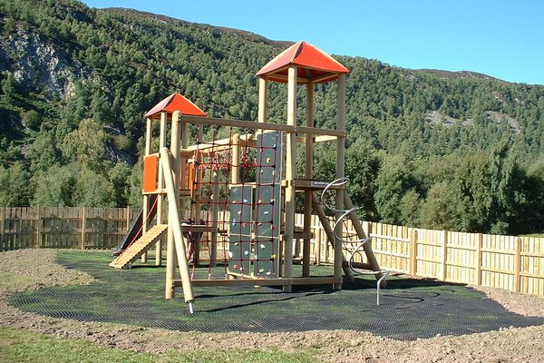 Highland, Aviemore Play Area - 0/14